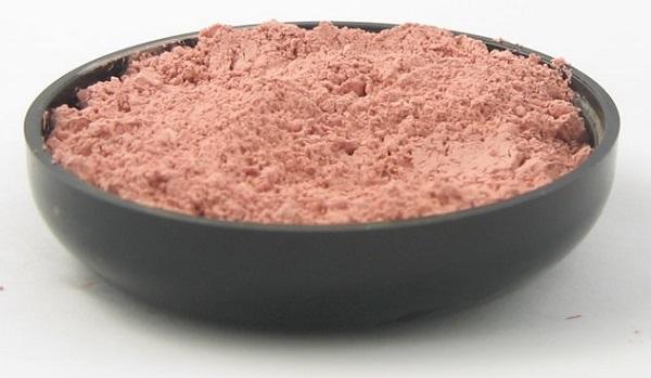Розовая глина для лица: ценные свойства