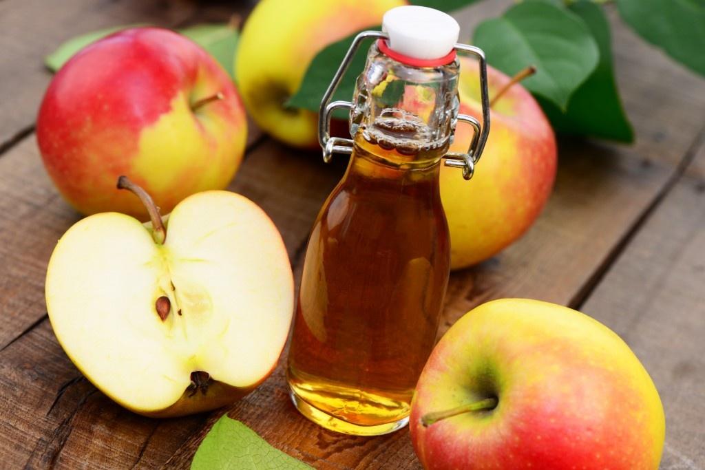 Как сделать сок из яблок для ребенка
