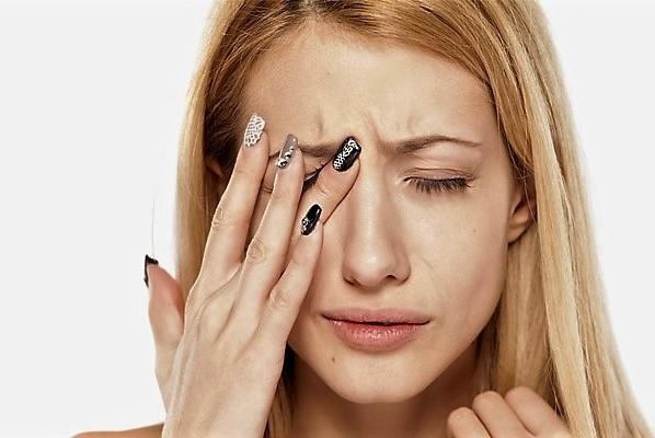 Подёргивание глаза связаны с неврологическими проблемами