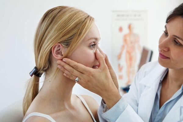 для лечения комедонов нужна консультация дерматолога