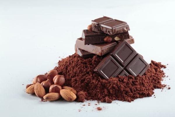 Циркуляцию крови улучшает тёмный шоколад