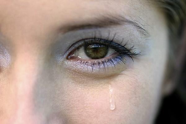 аллергия вызывает отёк и слезоточивость