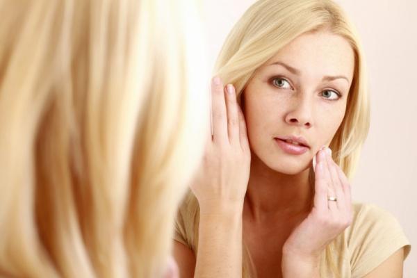 Процедуры для тонуса кожи лица: упражнения, массаж и маски