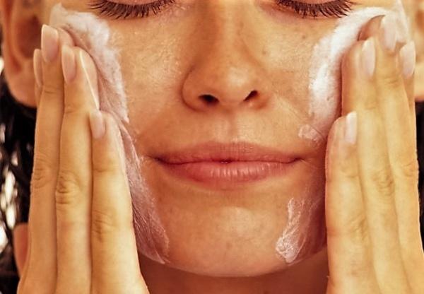 очищение жирной кожи пенкой для умывания