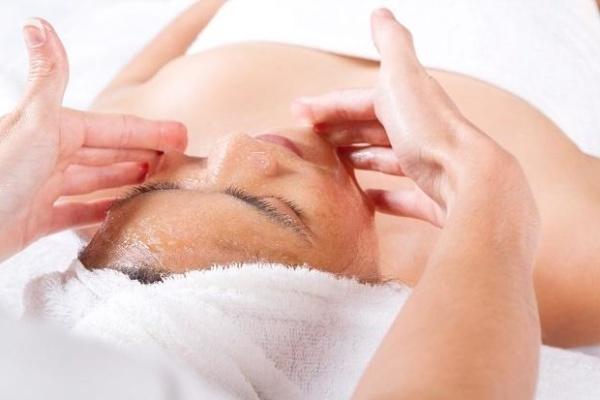 техника медового массажа лица