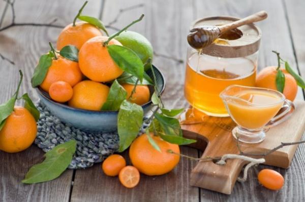 маски из цитрусовых с медом для отбеливания кожи