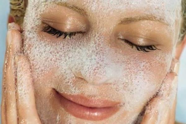 очищение кожи лица пенками