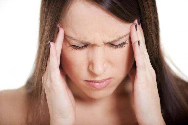 Болит голова над бровями - Часто в области бровей и над правой бровью
